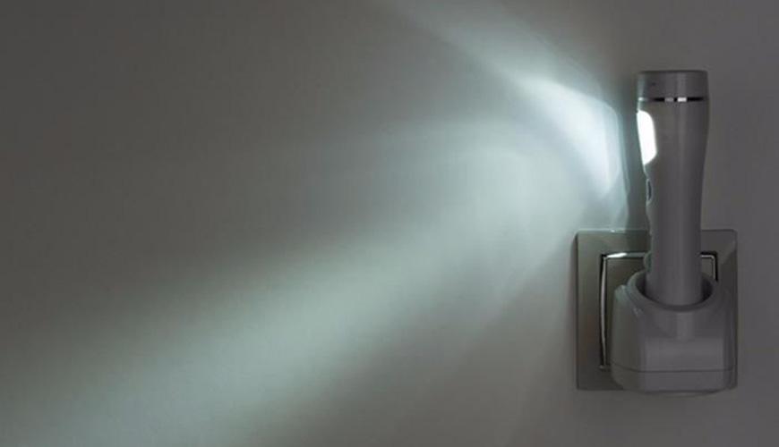 Аварийный фонарик для гостиничных номеров